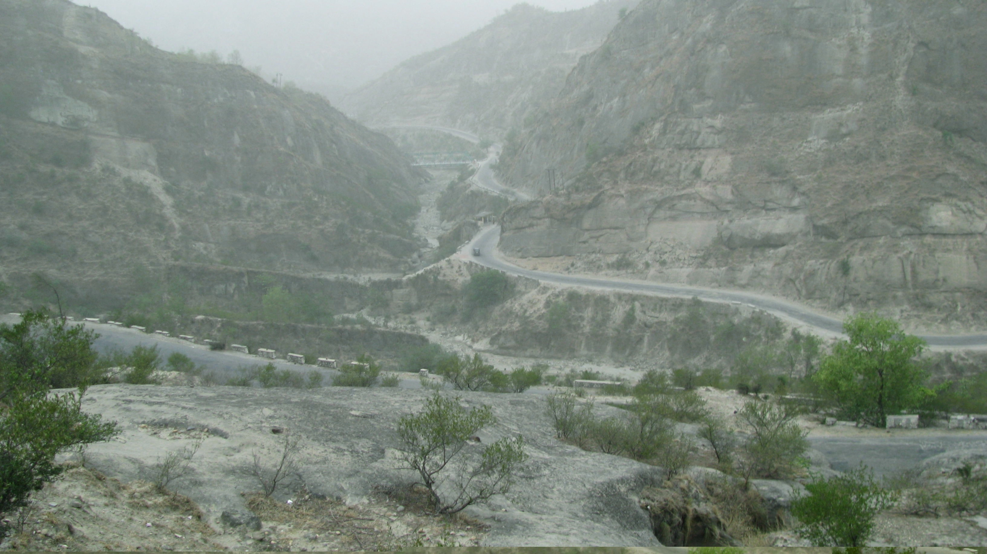 The road leading to Mansar
